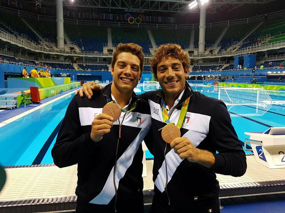 Nicholas Presciutti e il fratello Christian vincitori della medaglia di bronzo con il Settebello alle Olimpiadi di Rio 2016