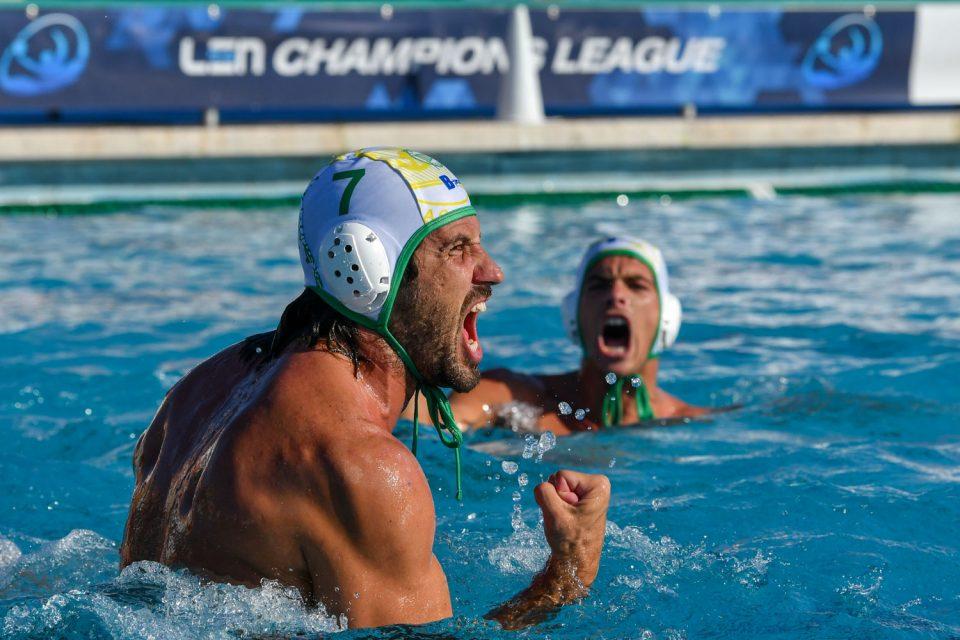L'esultanza di capitan Massimo Giacoppo dopo il gol che ha determinato la vittoria contro i croati del Mladost